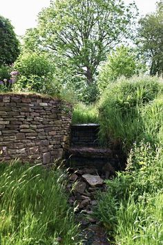 Garden designer Arne Maynard, based in London and Wales, has been a longtime favorite of mine. Having grown up in the Dorset countryside, he knows his plan