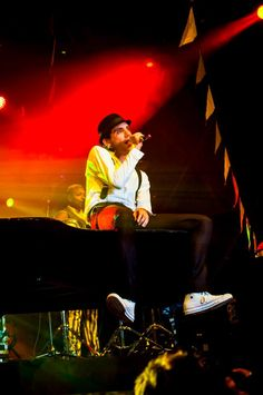 Mika and the piano. My imagination run's wild again!