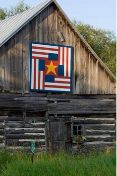 One of our favorite outdoor art installations in #DoorCounty -- the barn quilts. #barnquilts