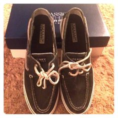 Dark grey sperrys Bought from Macys brand new! Size 7 and a half! Never worn Sperry Top-Sider Shoes