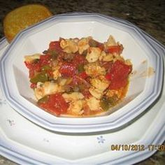 Tender fresh conch meat is cooked in a rich tomato sauce. Serve over rice or noodles.