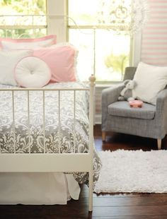 Pink, Gray & White  Love this color combo