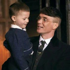 thomas shelby with his son Peaky Blinders Tv Series, Peaky Blinders Season, Peaky Blinders Quotes, Peaky Blinders Thomas, Cillian Murphy Peaky Blinders, Cillian Murphy Tommy Shelby, Alfie Solomons, Steven Knight, Netflix