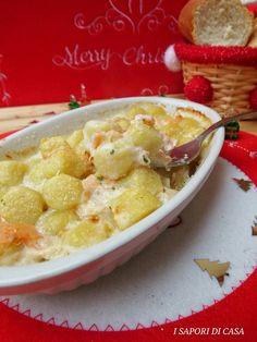 GNOCCHI AL SALMONE GRATINATI AL FORNO Cheeseburger Chowder, Hummus, Potato Salad, Buffet, Oatmeal, Food And Drink, Soup, Potatoes, Breakfast
