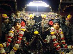 http://harekrishnawallpapers.com/sri-sri-gaura-nitai-close-up-iskcon-mira-road-wallpaper-001/