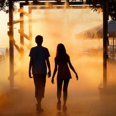 Teen couple | Silhouette