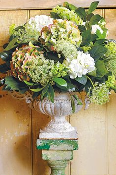 What Flowers Really Cost - Three florists share their tips on how to make the most of your budget (BridesMagazine.co.uk)