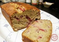 comfortable food - super easy strawberry banana bread