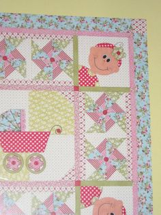 Doll Babies Quilt Pattern by Quilt Soup Babies por agardenofroses Quilt Baby, Cot Quilt, Baby Quilt Patterns, Baby Girl Quilts, Girls Quilts, Children's Quilts, Quilting Projects, Quilting Designs, Sewing Projects