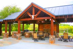 Best Pergola and Pavilion Design Ideas for Your Backyard Rustic Outdoor Kitchens, Outdoor Kitchen Design, Outdoor Rooms, Outdoor Living, Outdoor Decor, Kitchen Rustic, Kitchen Tile, Backyard Pavilion, Outdoor Pavilion
