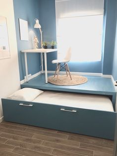 Cama nido estudio despacho - Lilly is Love Small Room Bedroom, Home Bedroom, Bedroom Decor, Space Saving Furniture, Diy Furniture, Furniture Design, Tiny House Living, Tiny House Office, Office Bed