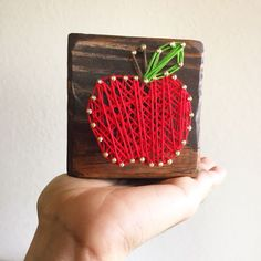 apple string art tea