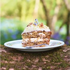 Jamie Oliver's hummingbird cake is beautiful and bloody delicious! Taken from Jamie's Comfort Food