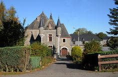 Stay In A Castle, Swimming Pools, Tower, Cottage, Warm, Mansions, House Styles, Holiday, Belgium