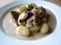 Pomalý hrnec: Hovězí kostky na smetaně se žampiony v pomalém hrn... Crockpot, Slow Cooker, Garlic, Oatmeal, Vegetables, Breakfast, Food, Ph, The Oatmeal