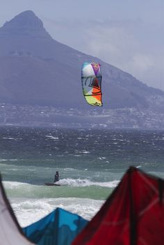 The first Tour Stop of 2015 of the SAKA Champs went down this past weekend at Kite Beach in Blouberg, Cape Town. Kitesurfing, All Over The World, Surfboard, Graham, Beaches, Tours, Sport, Pictures, Travel