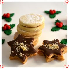 With chocolate or jam, these cookies are delicious and perfect for your Christmas table Mocca, Christmas Goodies, Cookies, Chocolate, Breakfast, Table, Desserts, Food, Crack Crackers