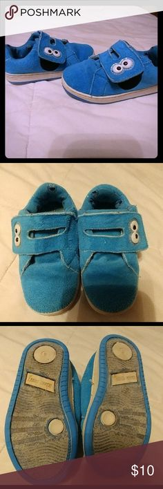🍪 Cookie Monster Shoes Adorable 🍪 cookie shoes have been through the wash a couple of times but the Velcro holds tight and the puffy insides seem super comfy (like my favorite old DCs). Sesame Street Shoes Baby & Walker