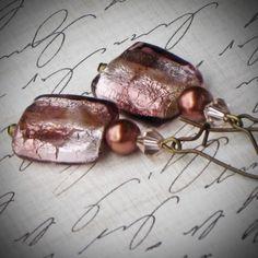 Beautiful art glass earrings! $24 @Rew Elliott #jewelry #handmeade #eetsy #glass #gift