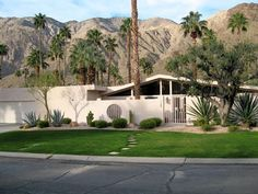 Mid Century Modern House Plans | An example of mid-century modern architecture in a Palm Springs home.