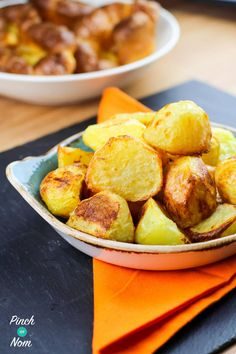 Syn free roast potatoes slimming world syn free/low syn food Easy Healthy Dinners, Healthy Dinner Recipes, Vegetarian Recipes, Delicious Recipes, Tasty, Clean Eating Recipes, Healthy Eating, Cooking Recipes, Cooking Stuff