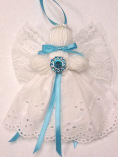 Serie de piedra, encajes y lana Angel Adorno, diciembre azul