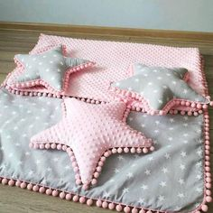 Photo Baby Bedding, Baby Pillows, Baby Bedroom, Bandana Bib, Diy Baby, Handmade Baby, Sewing Projects, Kit Bebe, Baby Nest
