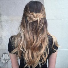 A lady who saw a snake braid at least once would probably agree that few other hairstyles look so intriguing. Check out styling options and a tutorial. Winter Hairstyles, Quick Hairstyles, Hairstyles Haircuts, Braided Hairstyles, Shaggy Haircuts, Curly Haircuts, Boy Haircuts, Dread Hairstyles, Baddie Hairstyles