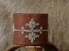 "Beautiful Cuff with ""Tenntråds broderier"" Cultural Crafts, Reindeer Antlers, Woven Fabric, Handicraft, Bohemian Style, Pewter, Scandinavian, Cuff Bracelets, Cuffs"