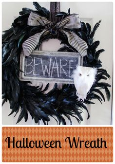 Halloween Wreath. Seriously one of the most stunning Halloween Wreaths we've seen. #Halloween #wreath #craft