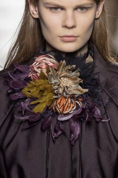 View all the detailed photos of the Dries Van Noten autumn (fall) / winter 2015…