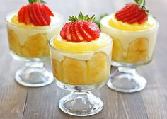 lemon tiramisu {with homemade lemon curd} - these look so yummy! I would leave out the alcohol though...