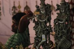 The fair saw a huge collection of #handicrafts and sculptures.