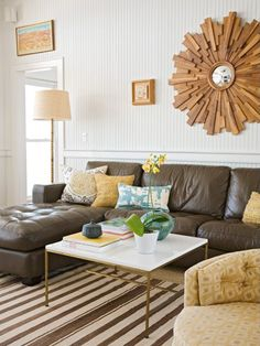 I usually hate leather couches but I think I could learn to love this one!