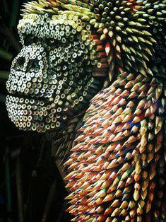 Ricardo Salamanca | Gorilla made with pencils.