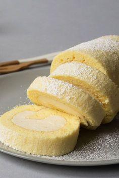 Hojicha Tea Cheesecake Roll Cake #recipe #tea #tearecipe #hojicha #japanesetea #cake #rollcake #cheesecake