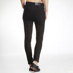 Jeans fra Cheap Monday med høy midje.