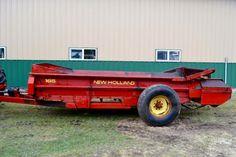 New Holland 165 Spreader