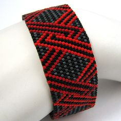 Intertwined Red and Orange Peyote Cuff Bracelet (2562) - A Sand Fibers Creation