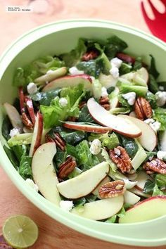 Ensalada de espinacas, manzana y queso de cabra. Vegetarian Recipes, Cooking Recipes, Healthy Recipes, Healthy Salads, Healthy Eating, Healthy Food, Deli Food, Good Food, Yummy Food
