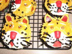 Jaguar cupcakes