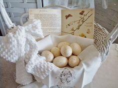 . . . Cabin & Cottage : No Budget Decorating With Vintage Baskets