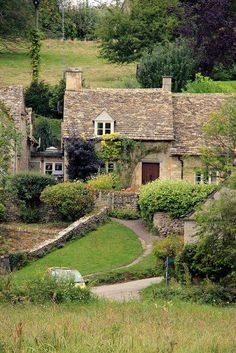 CURB APPEAL – Bilbury, Gloucestershire