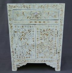 Mother Of Pearl Nightstand See More Si Seulement Meuble Superbe Avec Inscrustations De Nacre