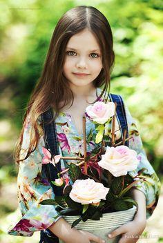 Diana Pentovich (born a Russian child model. Beautiful Little Girls, Cute Little Girls, Beautiful Children, Beautiful Babies, Cute Kids, Beautiful Flowers, Young Models, Child Models, Precious Children