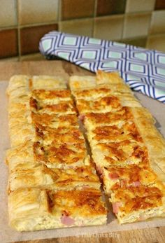 This delicious Ham and Cheese Puff Pastry Quiche is easy to make and so versatile. It is perfect for breakfast, brunch, dinner or even as an appetizer! Quiche Recipes, Brunch Recipes, Appetizer Recipes, Breakfast Recipes, Brunch Ideas, Breakfast Ideas, Breakfast Finger Foods, Easter Appetizers, Party Appetizers