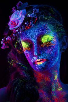 Model: Veress Noémi  Hair&Makeup: Merka Bea  Flower design: Gudana Otilia