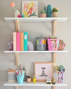 52 Ideas For Bedroom Desk Decor Girls Room Ideas Girl Desk, Girl Room, Pink Shelves, Black Shelves, Study Room Decor, Bedroom Desk, Bedroom Girls, Blush Bedroom, Bedroom Shelves
