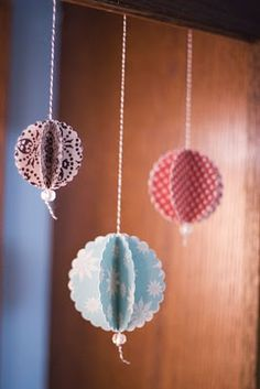 Easy DIY ornaments.