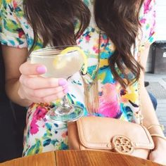 Floral and nude Tory Spring Style, Spring Summer Fashion, Prep Style, My Style, Prep Life, Preppy Southern, Perfect Wardrobe, Summer Outfits Women, Tory Burch Bag